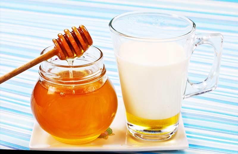 Мыло с добавлением молока и меда мраморное