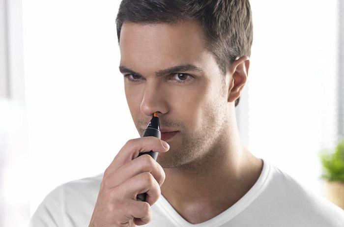 Триммер для удаления волос в ушах и в носу