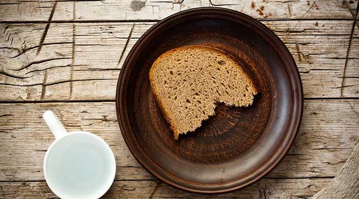 Как правильно готовится маска для волос из чёрного ржаного хлеба