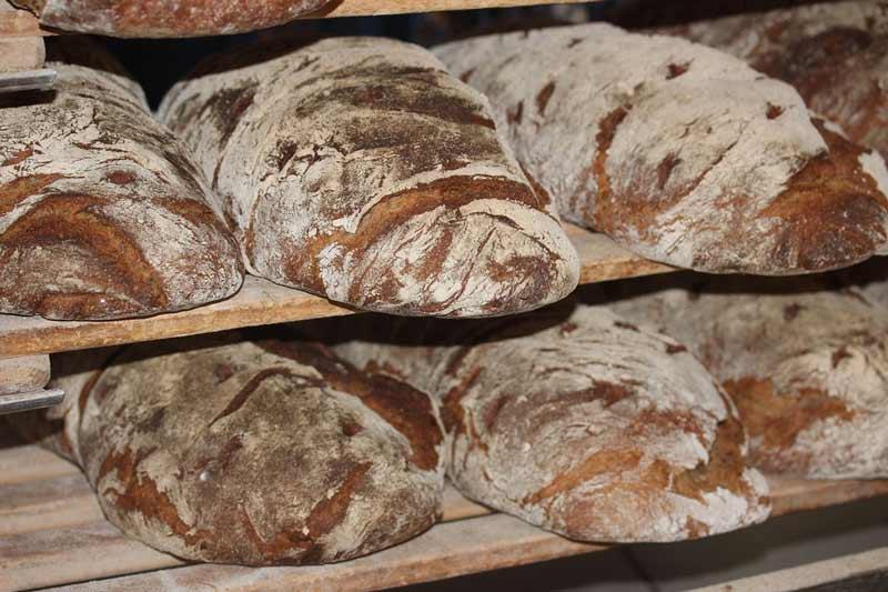 Как приготовить маску для волос из черного ржаного хлеба
