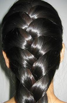 Увлажнять волосы