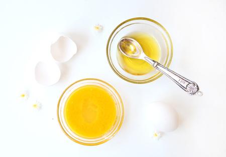 Оливковая маска для волос с куриным желтком
