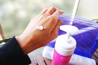 Использование бритвы и депиляторного крема