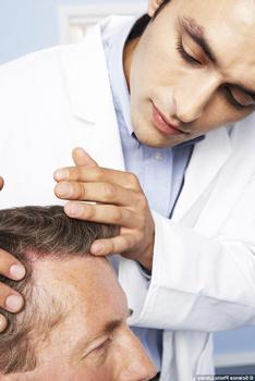 Что делать при сильном выпадении волос