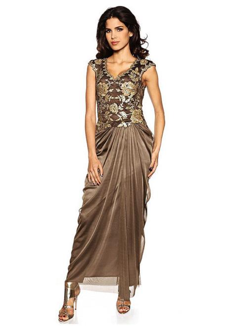 Вечернее платье орехового оттенка