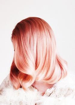 Цвет волос - розовое золото