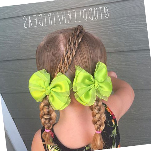 Фото: Легкие косички для девочек