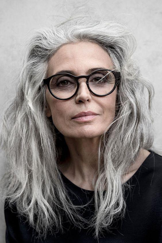 Фото: Прически для женщин 40 лет, 50 лет